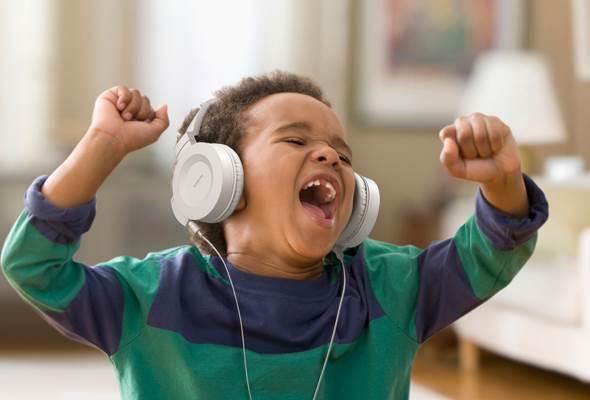 como aprender ingles ouvindo musica